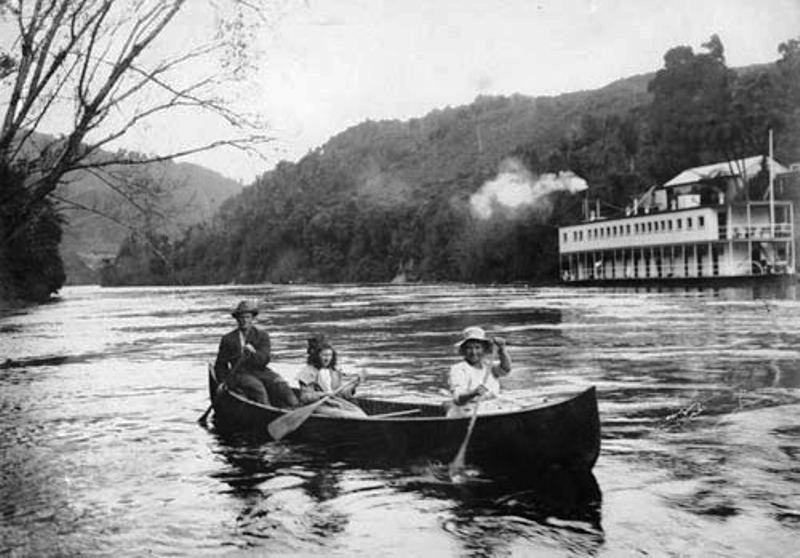 Maoriler nehirle bütünleşik bir yaşam sürdüler.jpg