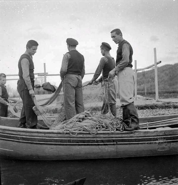 Beşikdüzünde balıkçılık dersi.jpg