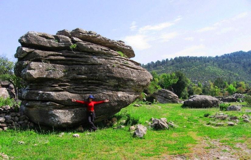 Çukurca kültür rotalarının önemli güzergahlarından birinde yer alıyor.JPG