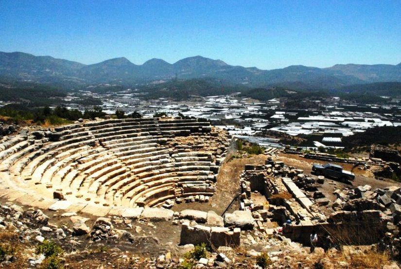 rhodiapolis'te 2006 yılında kazılar başladı.jpg