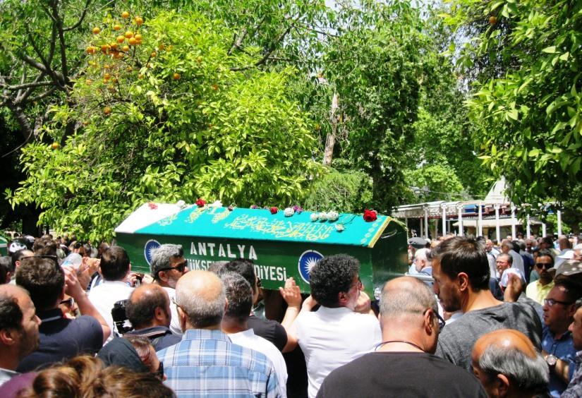 büyüknohutçu çiftinin cenazeleri 13 mayıs günü toprağa verildi.JPG