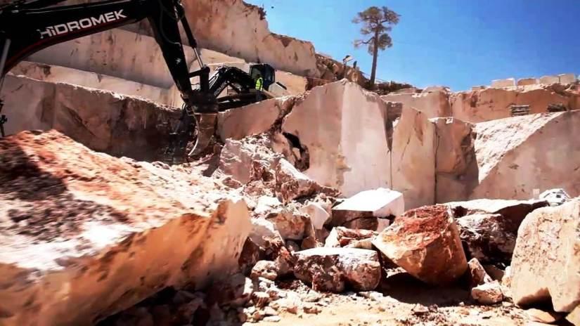 çandır bölgesindeki mermer ocakları büyük tahribata nedne oluyor.jpg