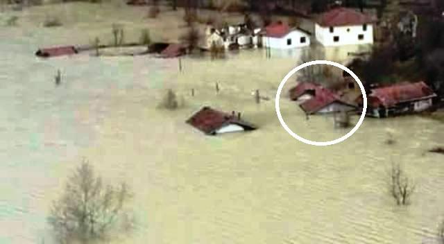 ümmühan ninenin evi Kasım 2016da suya gömüldü.jpg