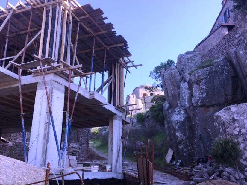 köylülerin beton aracını engellemesiyle denetim başlayan inşaat usule aykırı çıktı.jpg