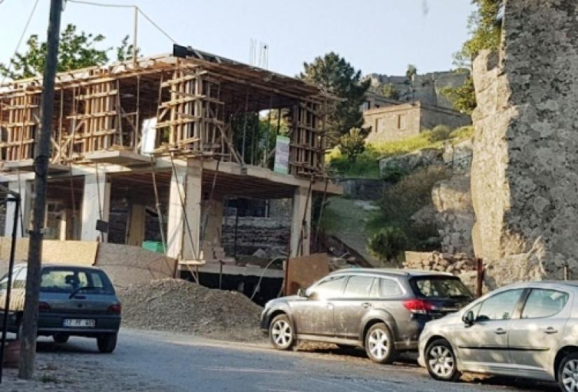 otel inşatı mühürlendi.jpg