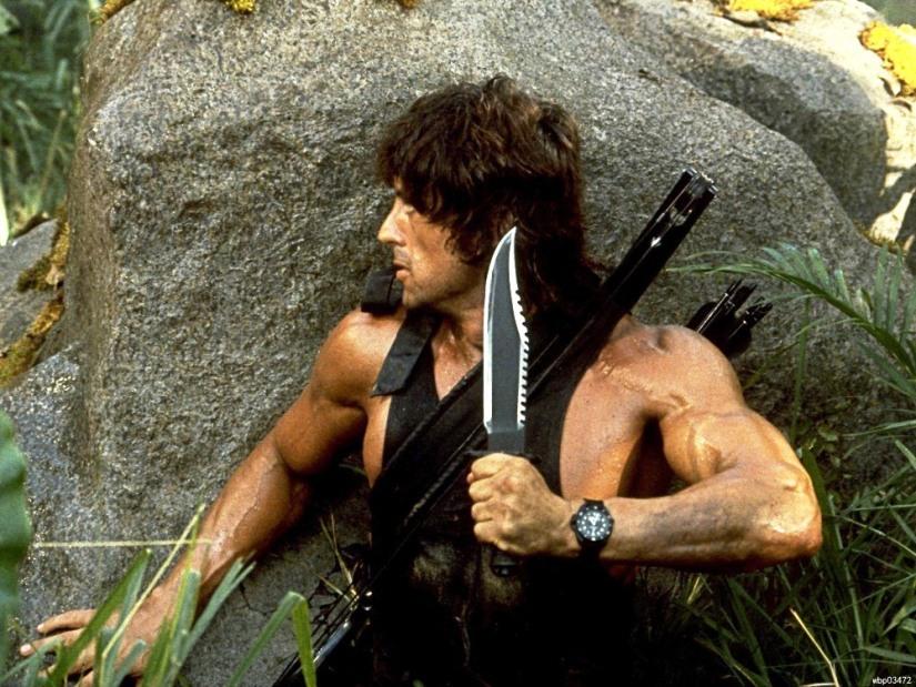 ramb o bıçaklarıyla doğaya çıkmak ünlü filmin ardından moda oldu.jpg