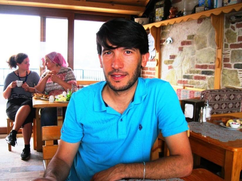 Adanalı Müslüm Akkoç üniversite eğitimi için geldiği Eğirdir'e yerleşmiş.JPG