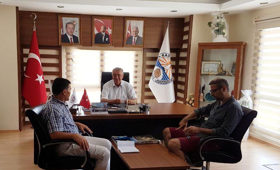 Sendika temsilcileri belediye başkanı ile görüştü.jpg