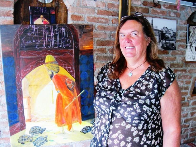 seramik ve resim sanatçısı olan Carla, Osman Hamdi Bey'in ünlü eseri kaplumbağa terbiyecisini çalışmış.JPG