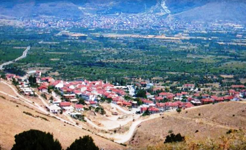 uluğbey köyü senirkent ovasının kıyısında kurulu tarihi bir yerleşim.png