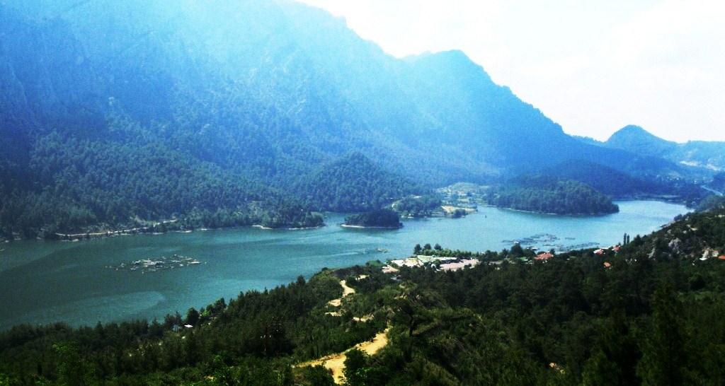 karacaören baraj gölü.JPG