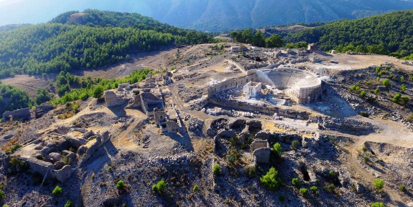 rhodiapolis antik kenti.jpg