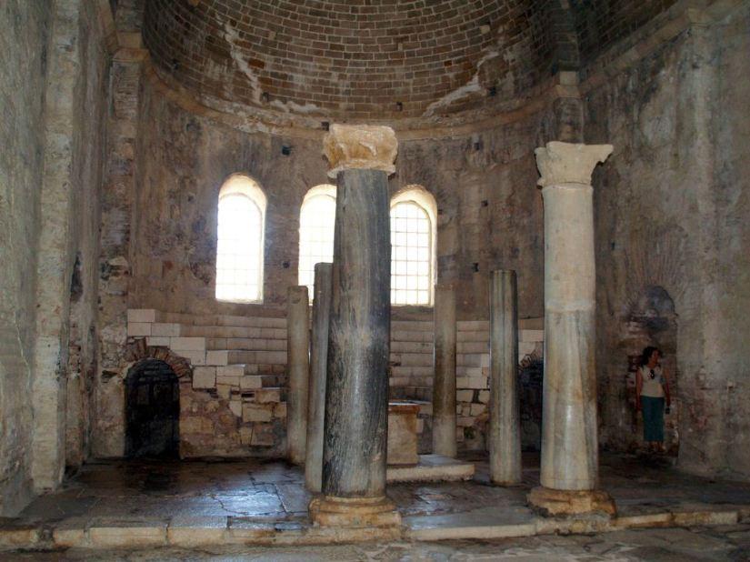 Aziz Nikolaos Kilisesi.jpg