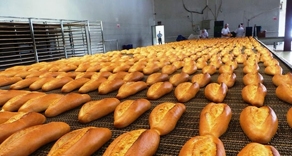 Türk halkı ekmekle besleniyor.jpg