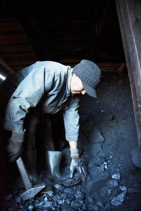 Güney Sibirya halklarından olan Şor Türkleri kömür madenciliğinin tehdidi altında yaşıyor.jpeg