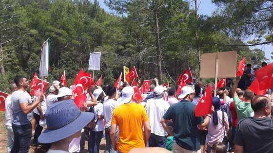 Antalyalılar kleopatra koyunun yapılaşmaya açılmasına tepki gösterdi.jpg