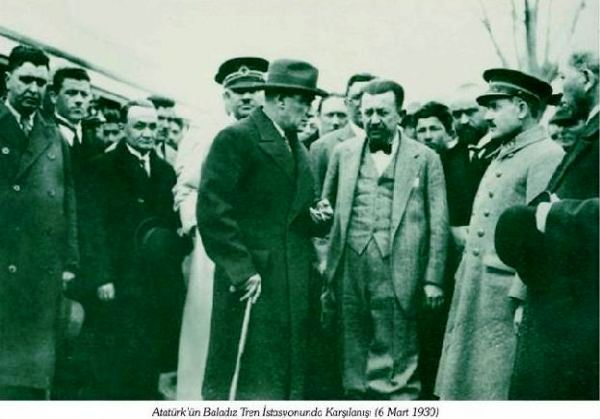 Atatürk 6 Mart 1930 tarihinde bölgeyi ziyaretine Baladız Tren İstasyonundan başlamıştı.jpg