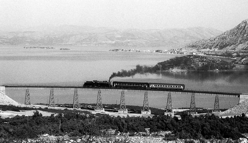 eğirdir demiryolu köprüsü.jpg
