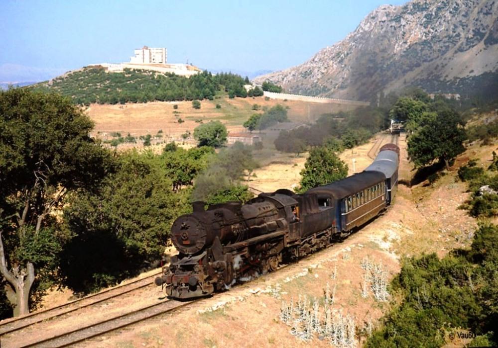Eğirdir garından kalkan buharlı trenler İzmir ya da İstanbul'a ulaşıyordu.jpg