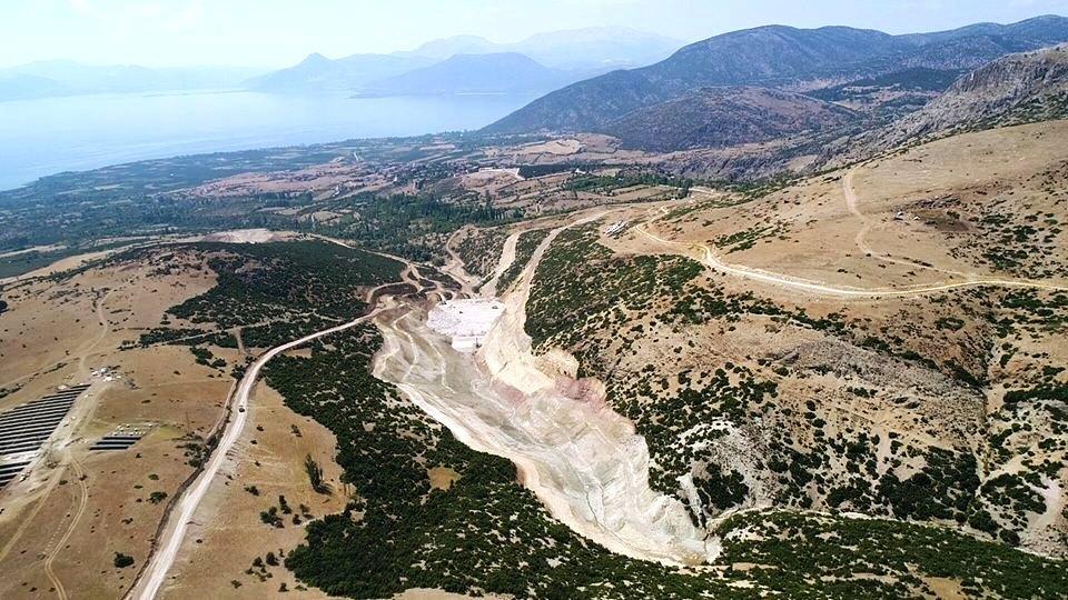 Barla Akçapınar Göleti inşası süren yeni projelerden biri.jpg