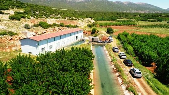 Eğirdir Gölünün kaynaklarından birinin üzerine kurulan su alım istasyonu.jpg