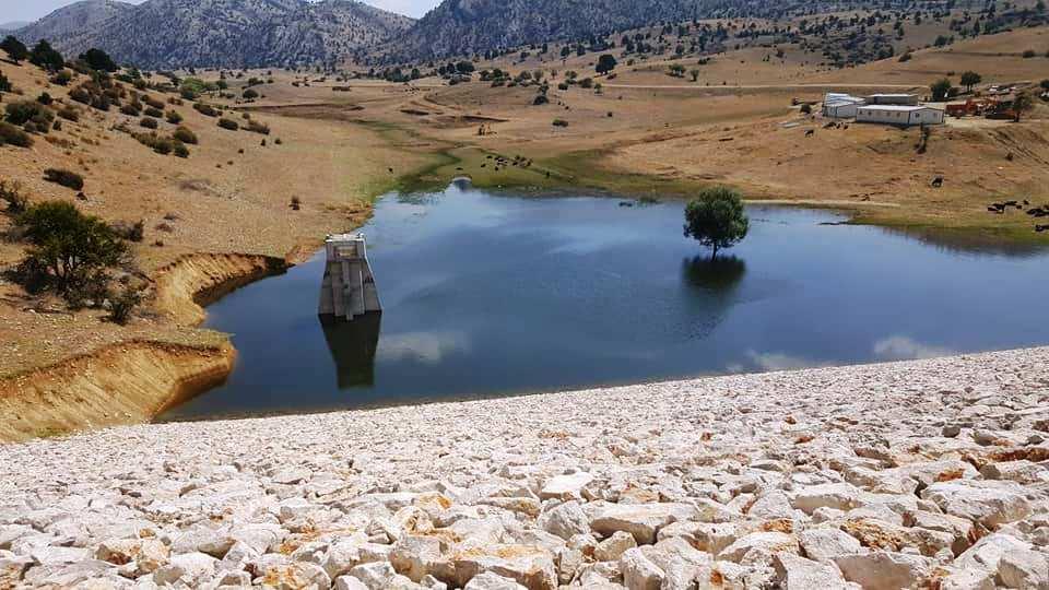 sarıidris göleti inşaatı sürüyor.jpg